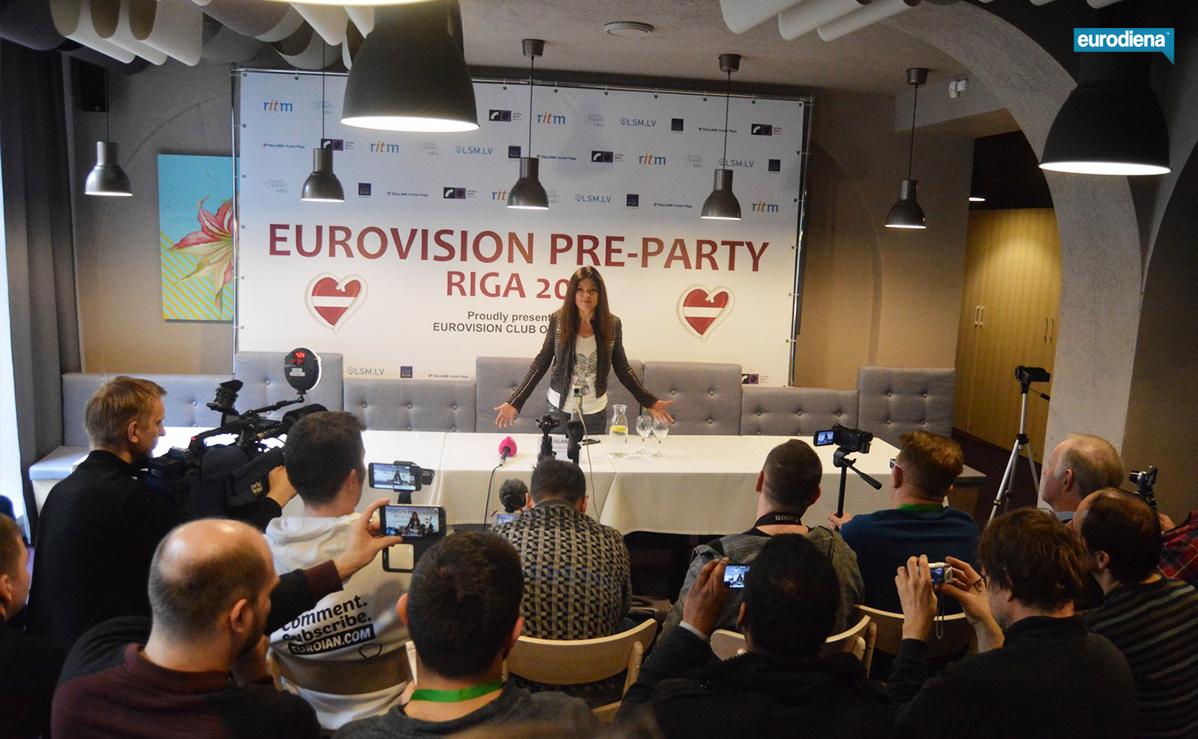 """""""Eurovizijos"""" nugalėtoja kvietė visus į Kijevą"""